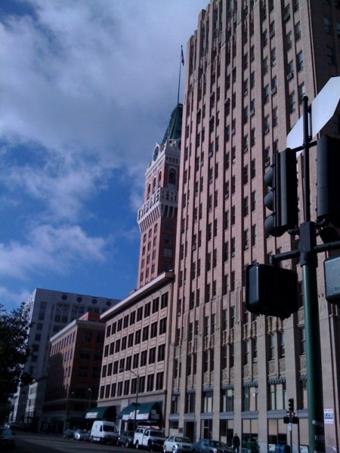 So why would anyone spend time in downtown Oakland? Well, because it also can be stunning.