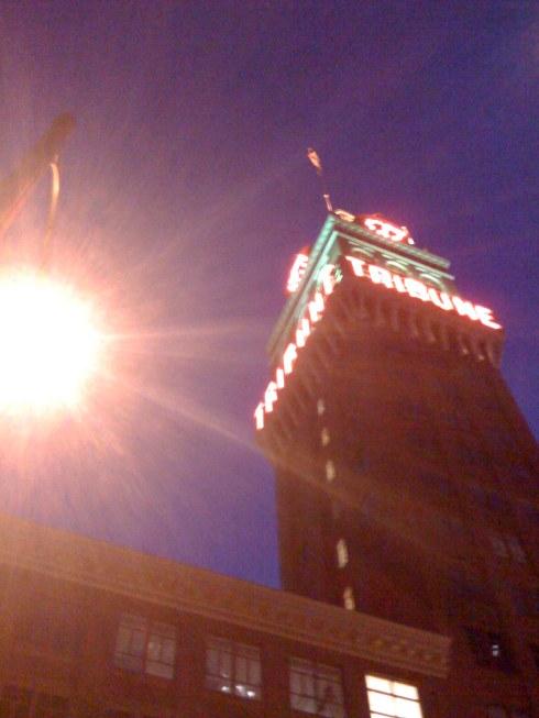 tribune-tower-at-night-w-light