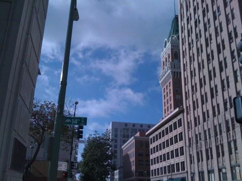tribune-tower-w-buildings